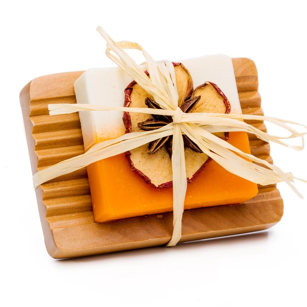 Apfel – Zimt – Orangen Seife mit Holzseifenschale